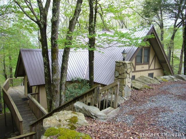 106 Sugar Maple Lane, Beech Mountain, NC 28604 (MLS #214712) :: RE/MAX Impact Realty