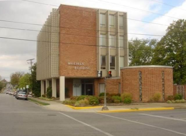 1039 College Street - Photo 1