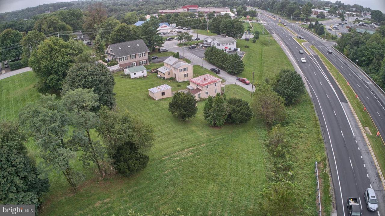 1401 Ridge Court - Photo 1