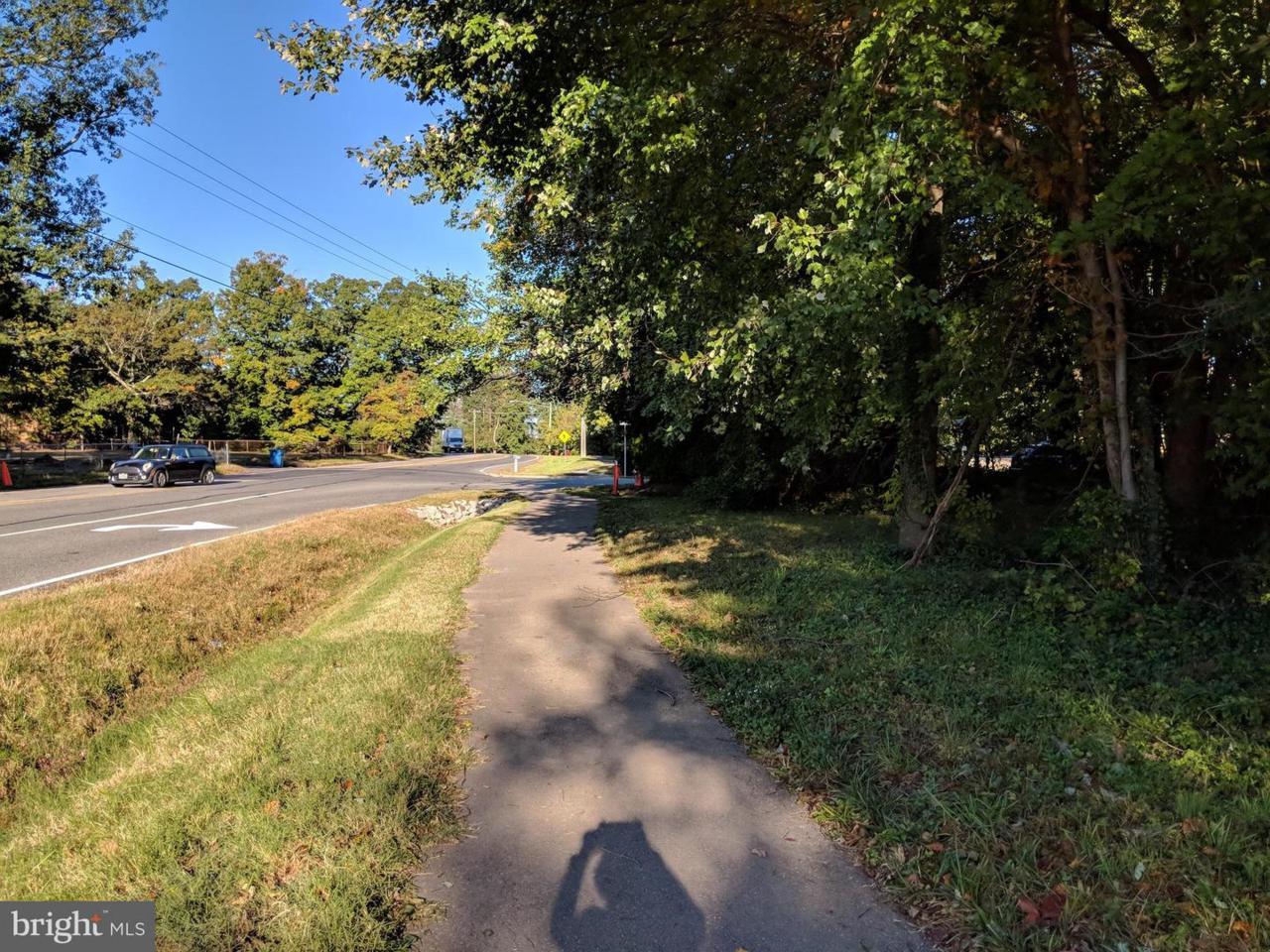 8708 Silverbrook Road - Photo 1
