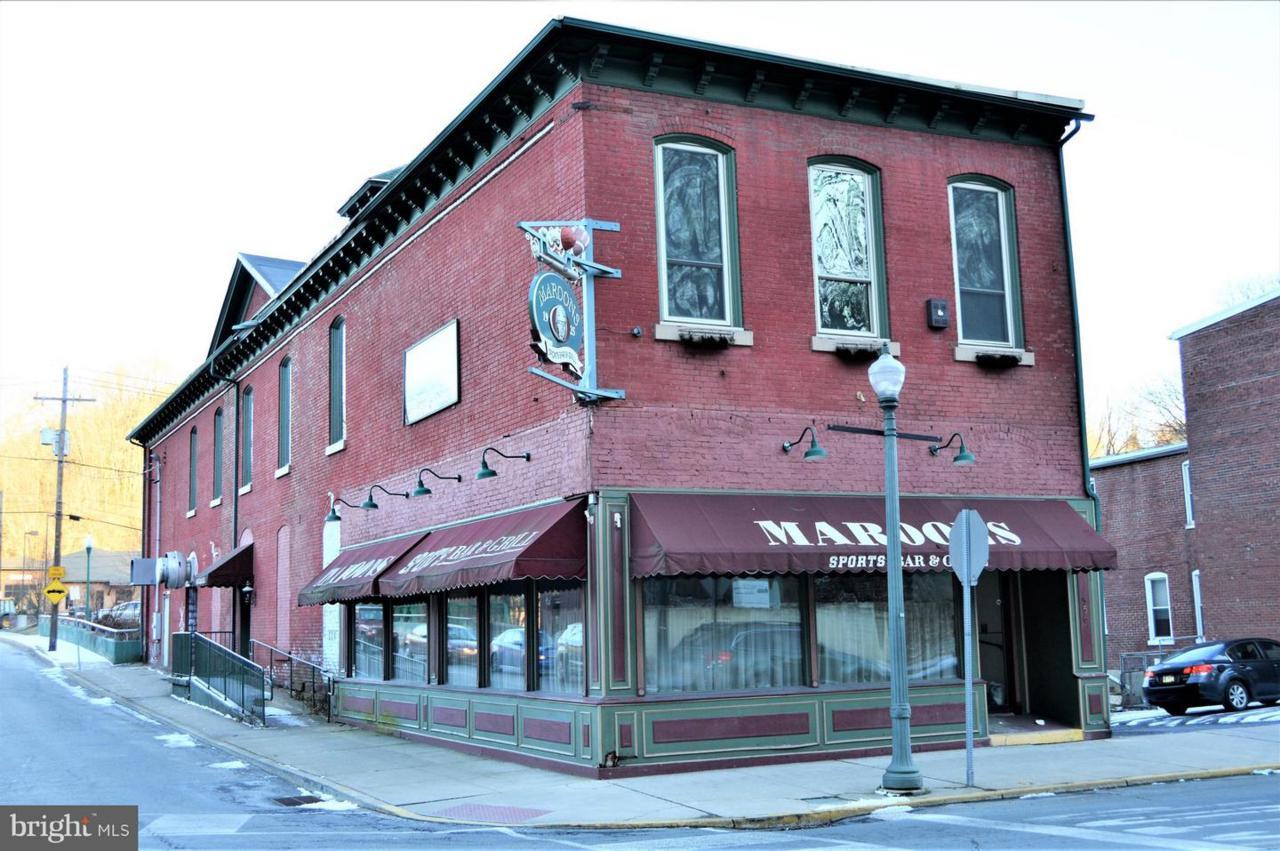 556 Centre Street - Photo 1