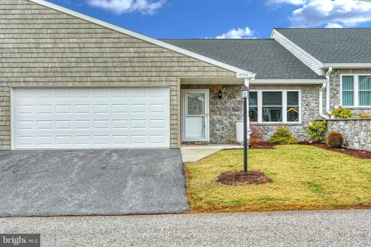 4704 Orchid Way - Photo 1