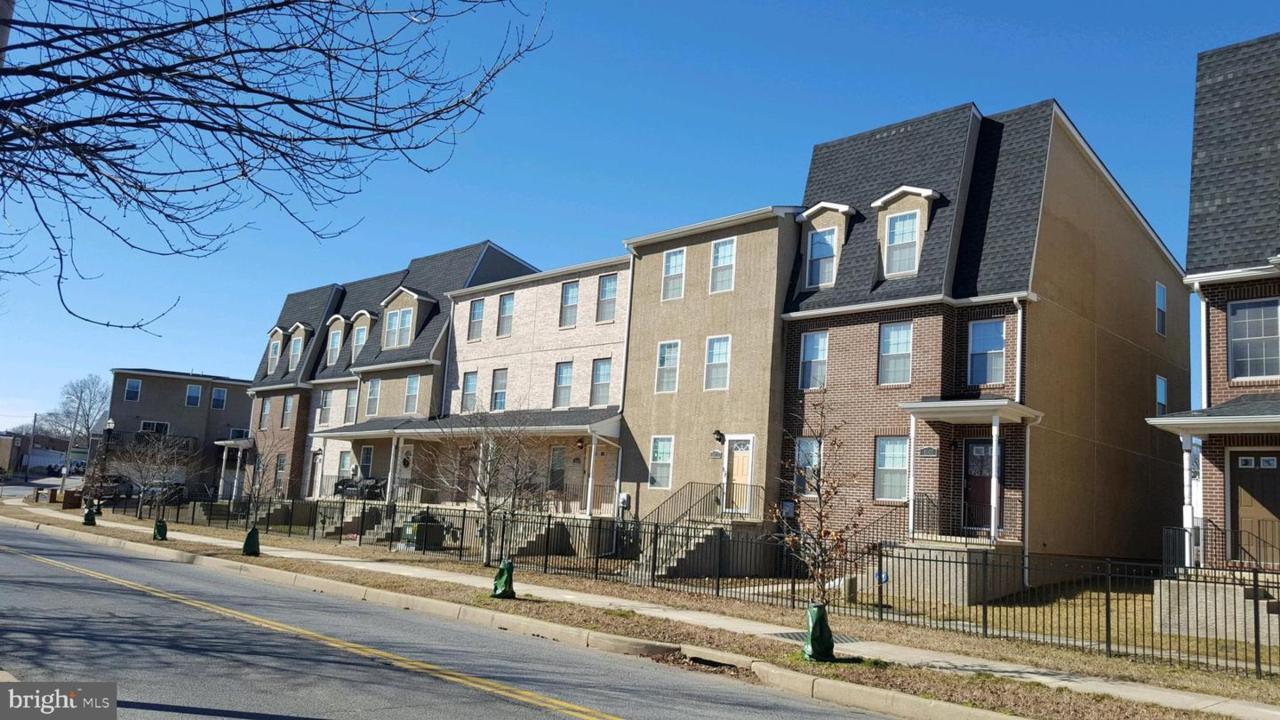 1010 Coleman Street - Photo 1