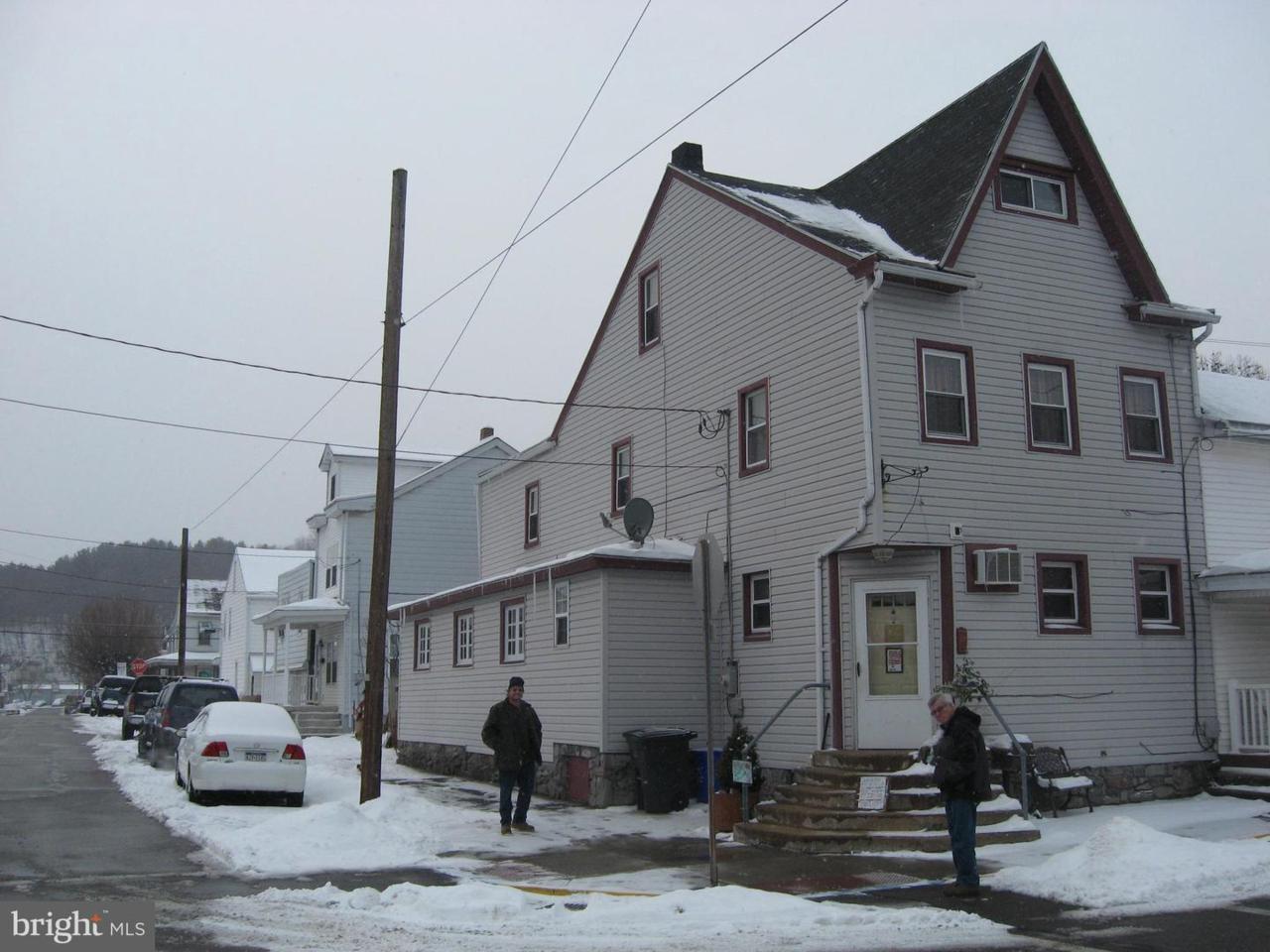 200 Nicholas Street - Photo 1