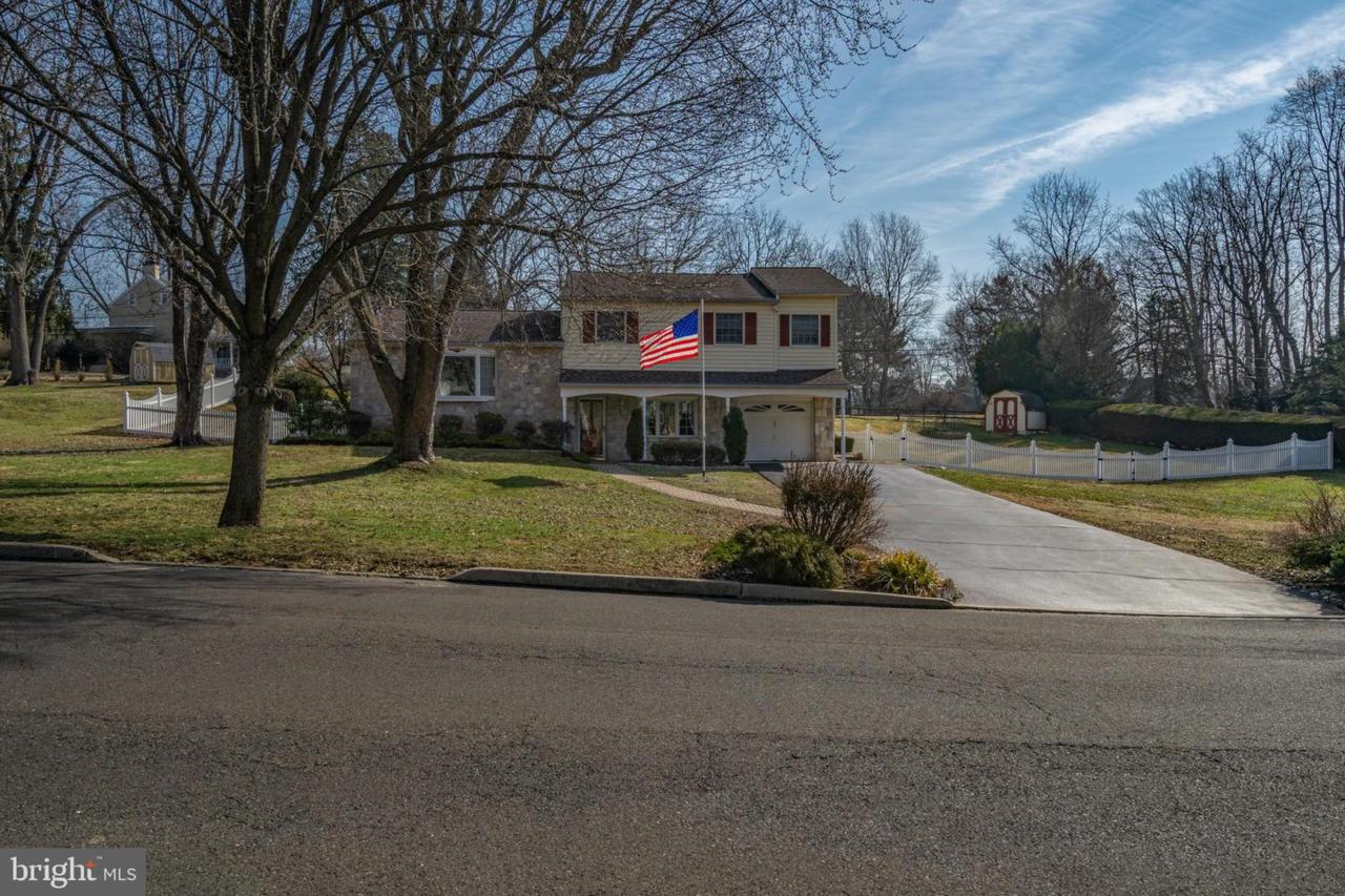 718 Spring Hill Road - Photo 1