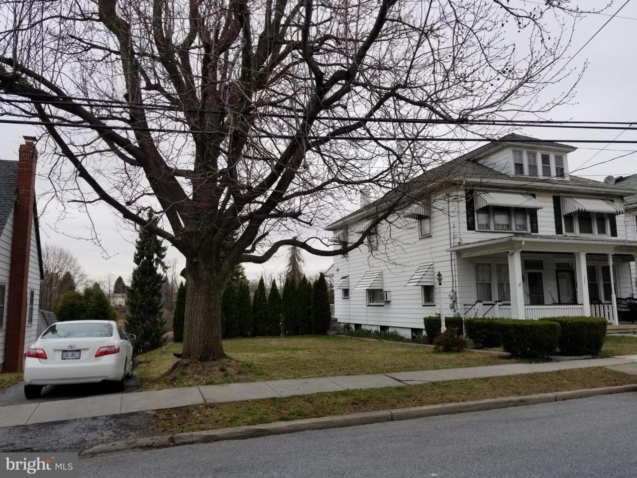 521 Spruce Street - Photo 1