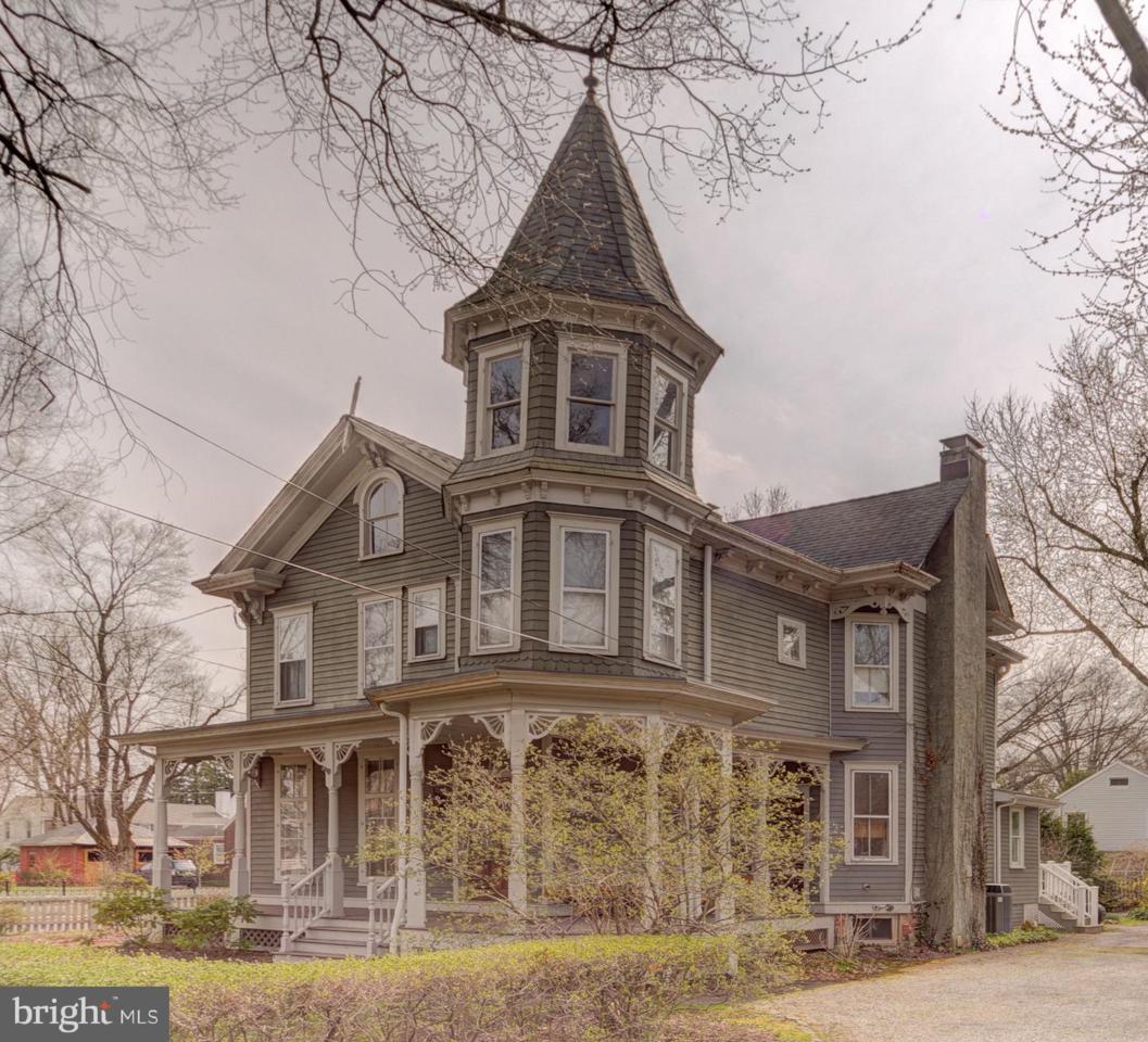 18 Greenwood Avenue - Photo 1