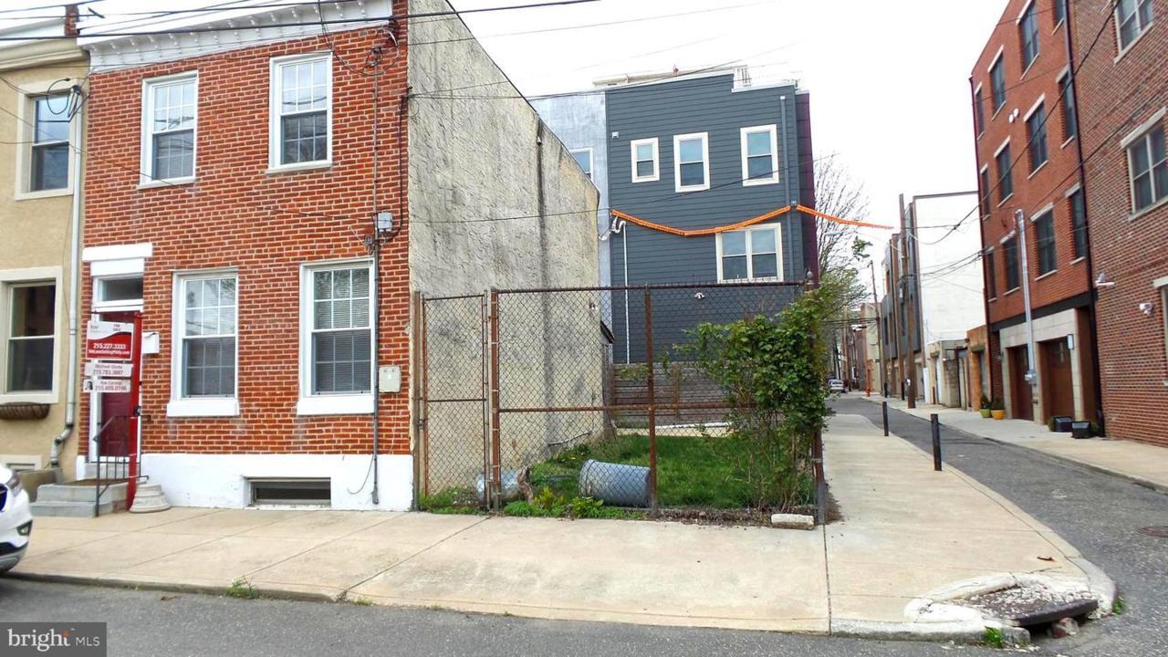 211-213 Earp Street - Photo 1
