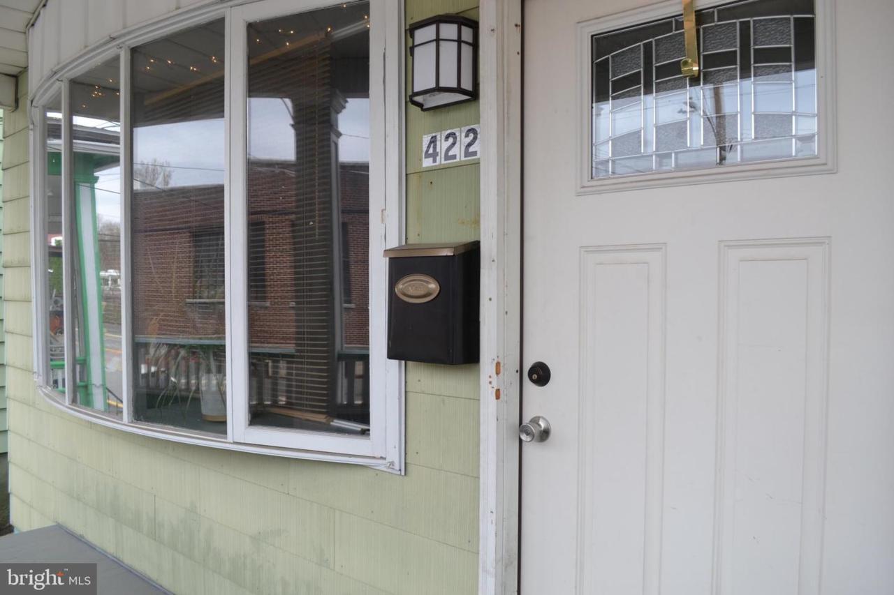 422 Bacon Street - Photo 1
