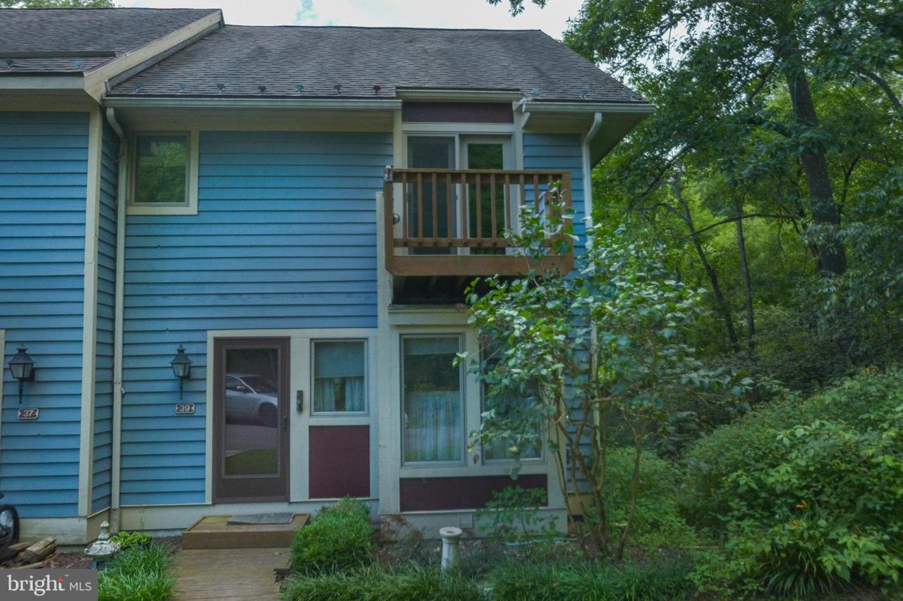 39 Lakeview - Photo 1