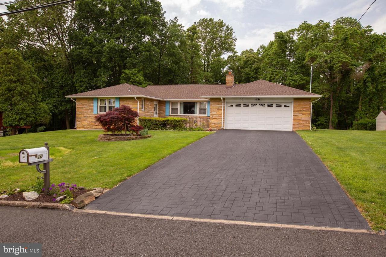 10 Valley View Drive - Photo 1