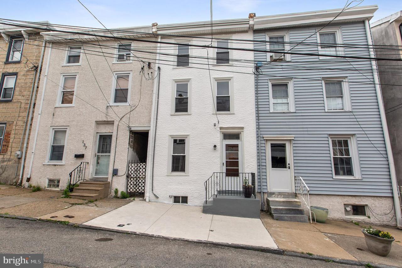 135 East Street - Photo 1