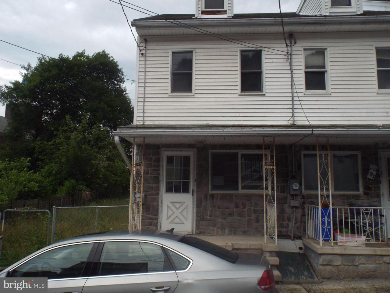 571 Lewis Street - Photo 1
