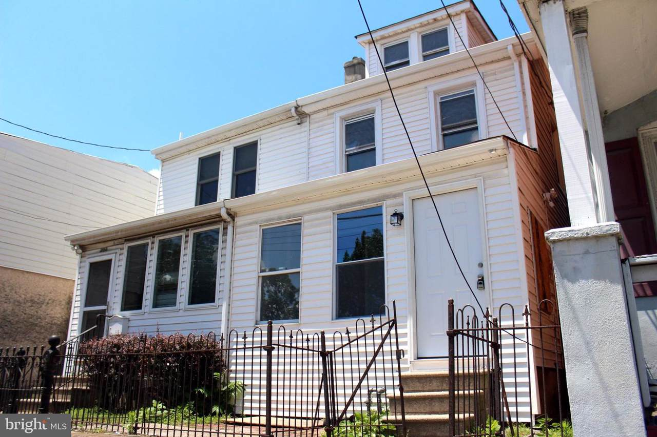 205 Jackson Street - Photo 1