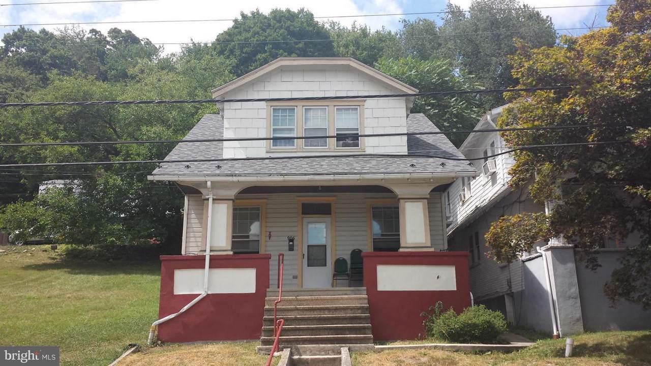 906 Bedford Street - Photo 1