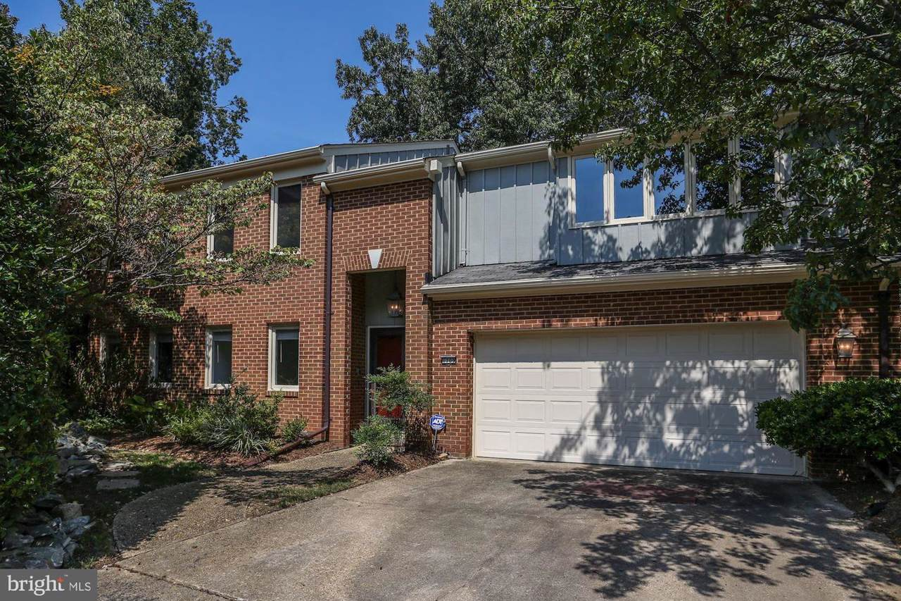 1709 Maple Hill Place - Photo 1