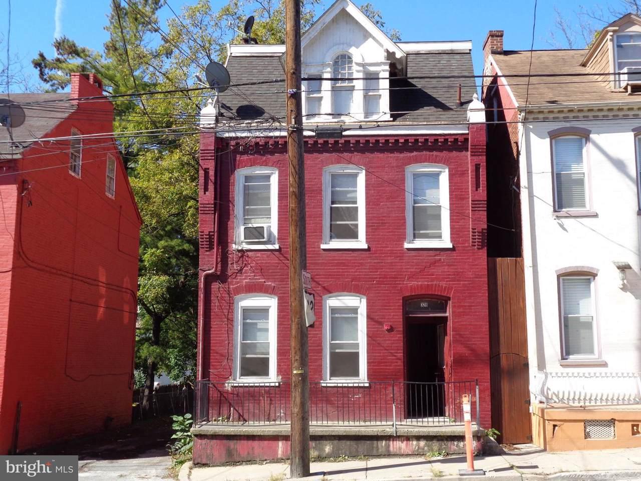 328 Prince Street - Photo 1