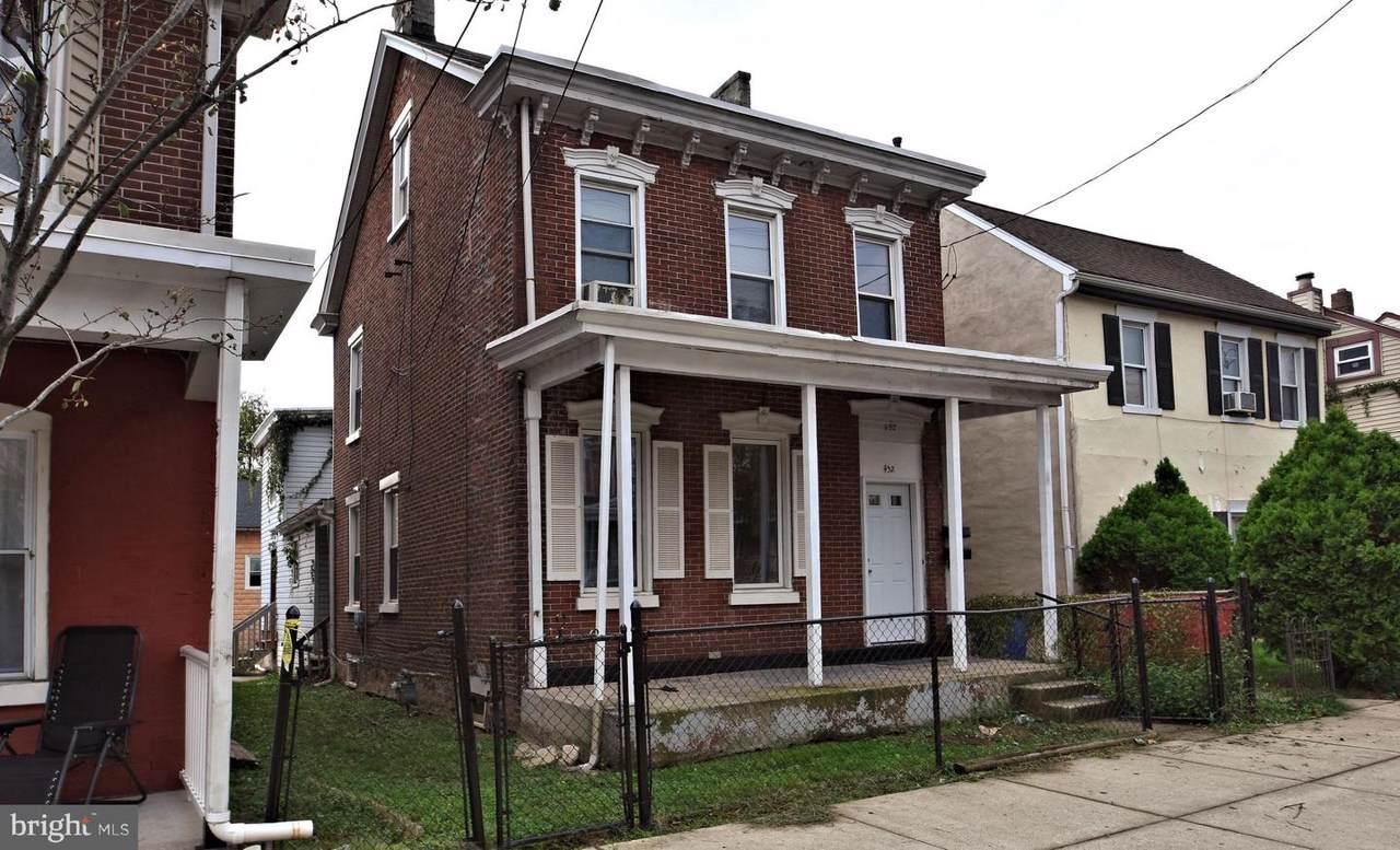 452 Chestnut Street - Photo 1