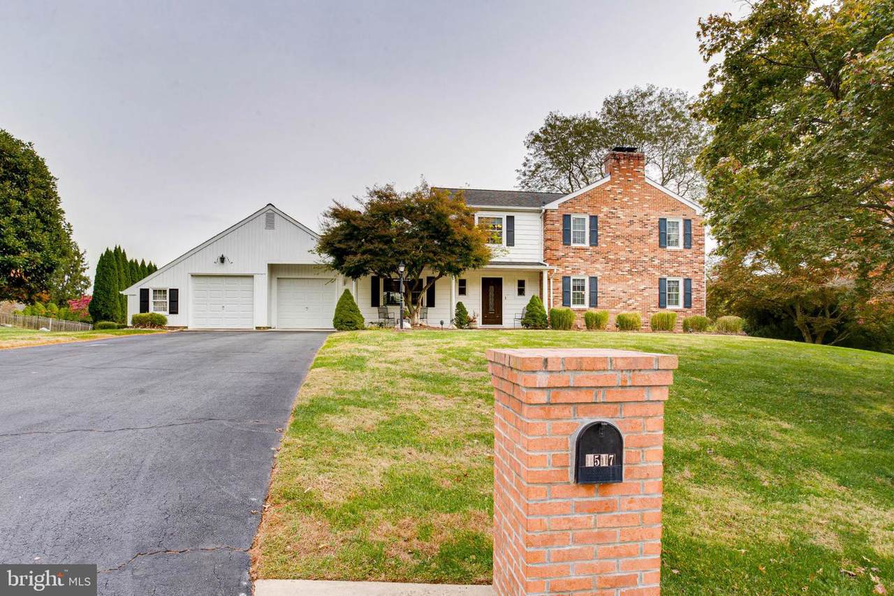 1517 Rolling Road - Photo 1