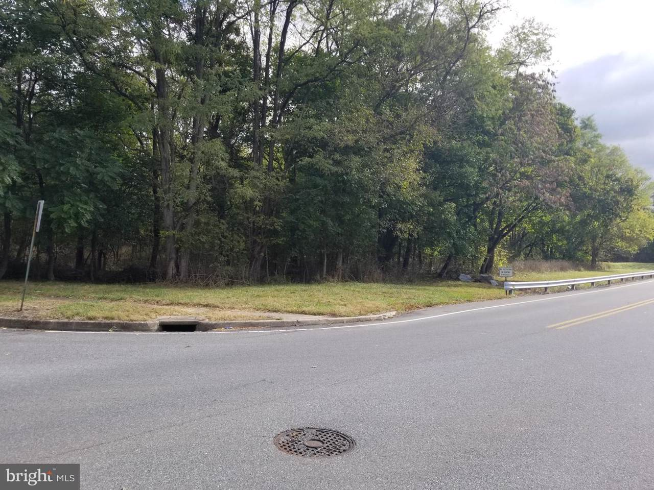 Glenside Avenue - Photo 1