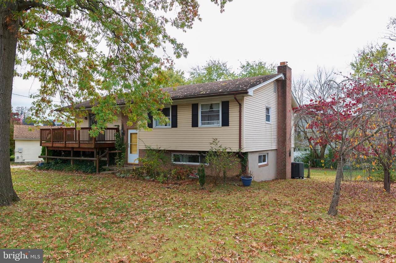 6404 Forest Avenue - Photo 1