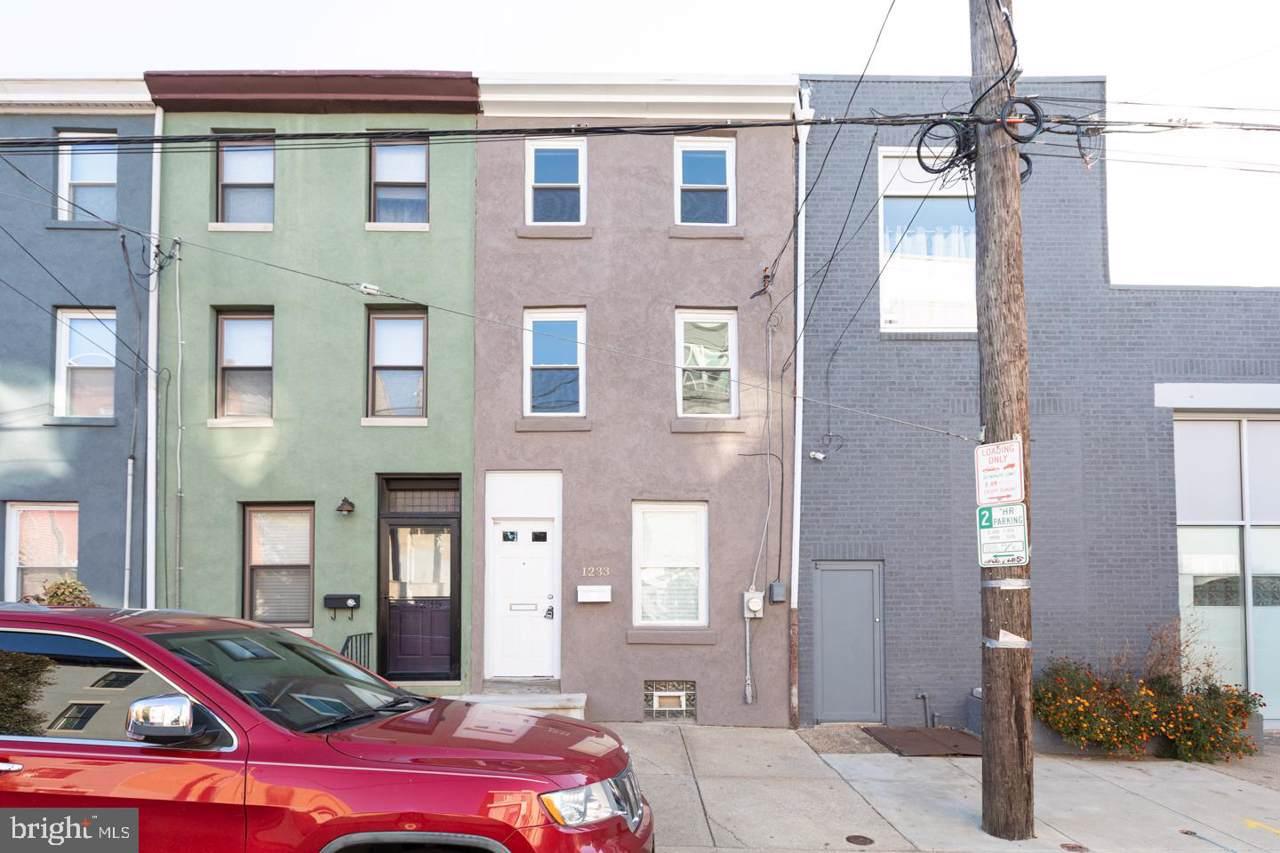 1233 Mascher Street - Photo 1