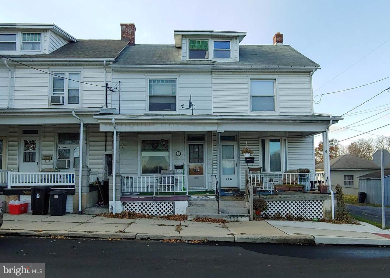 214 4TH Street - Photo 1