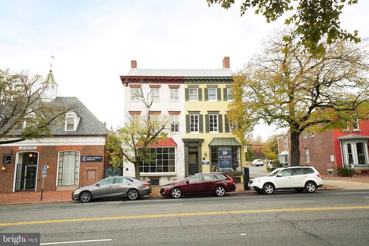 323 Washington Street - Photo 1