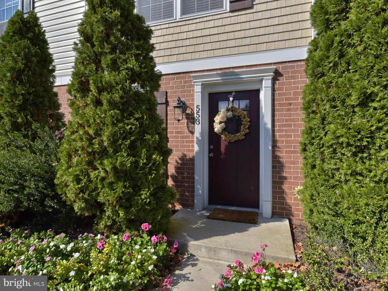 553 Lancaster Place - Photo 1
