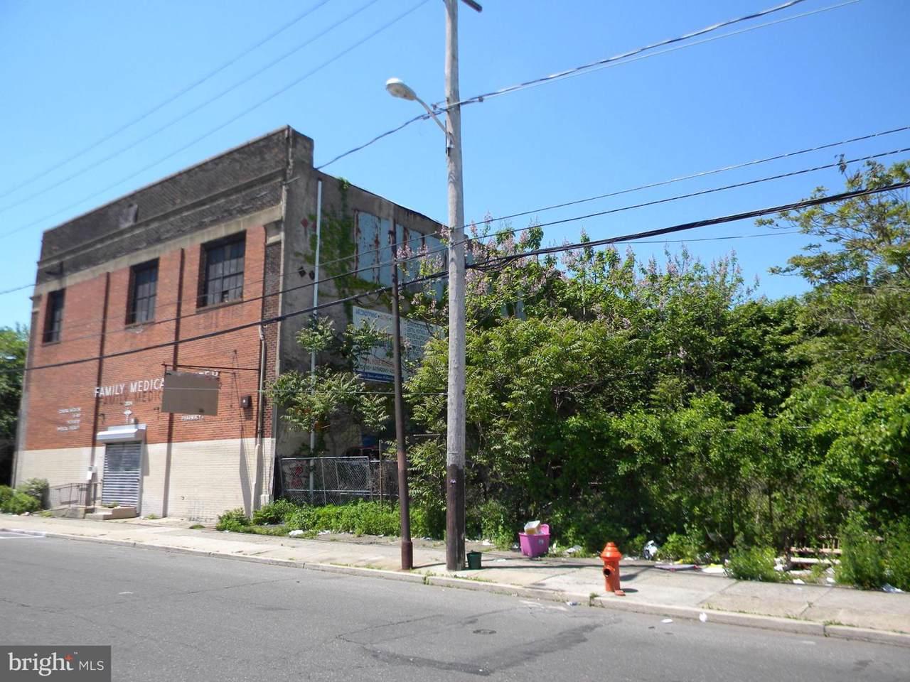 2024-32 22ND Street - Photo 1