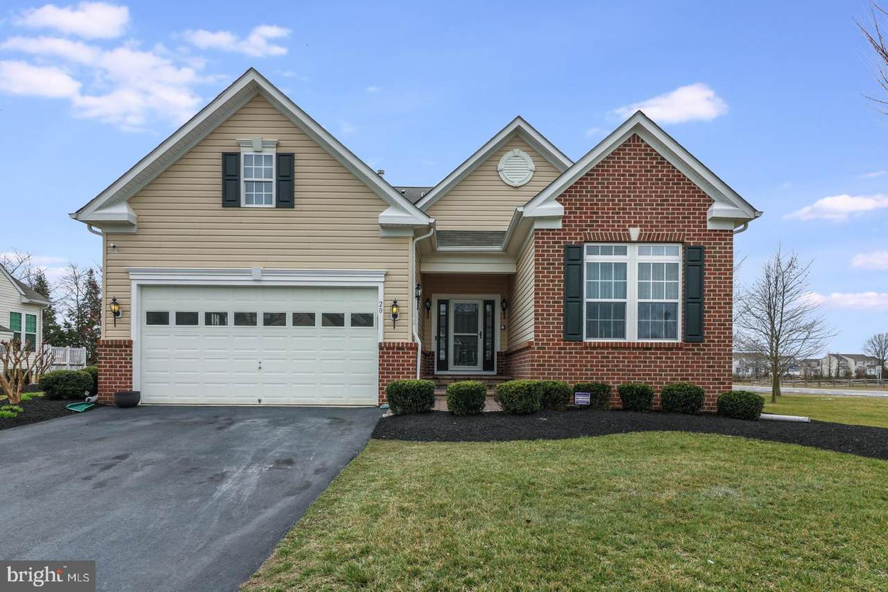 20 Red Maple Road - Photo 1