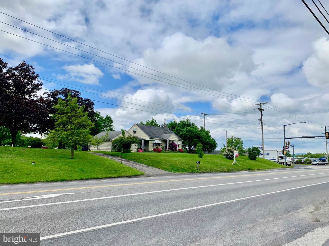 1709 & 1721 ~ 16 & 2 York Road, Cavalry Field Road - Photo 1