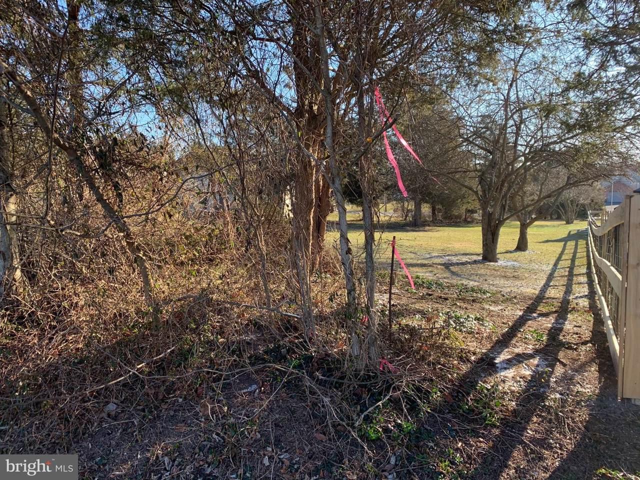 427 Heritage Drive - Photo 1