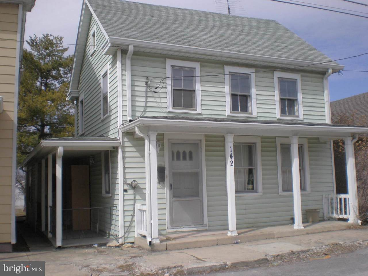 142 Washington Street - Photo 1
