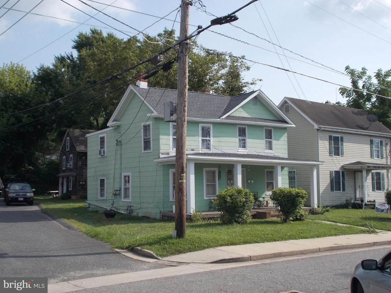 202 Port Street - Photo 1