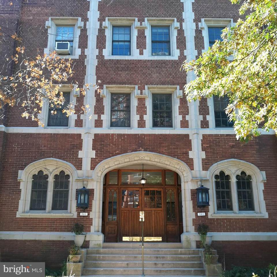 501 University Parkway - Photo 1