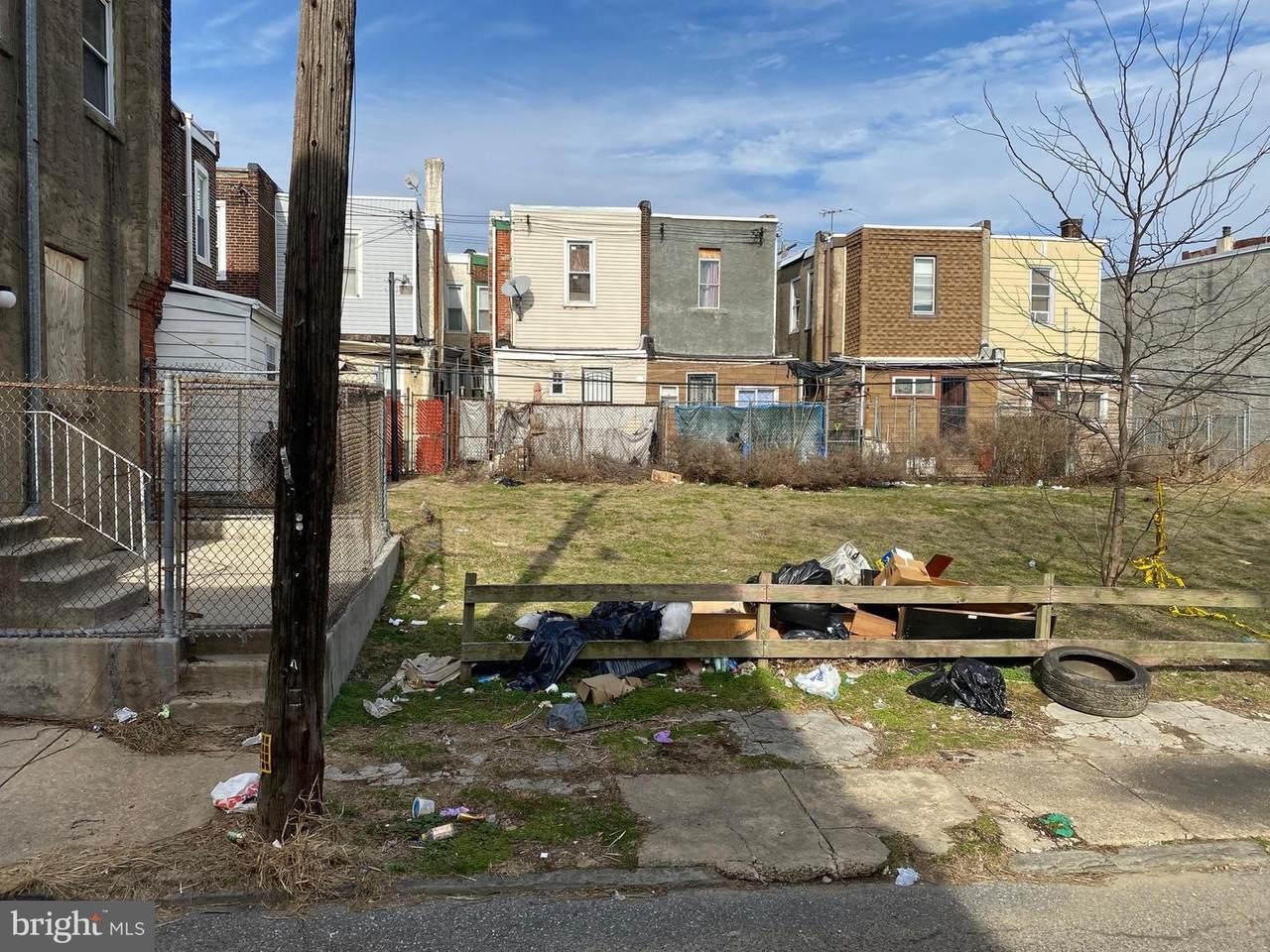 3047 Oakdale Street - Photo 1