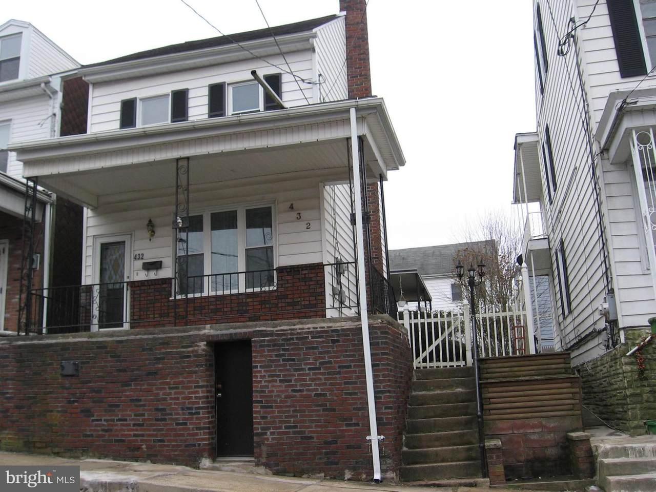 432 Oak Street - Photo 1