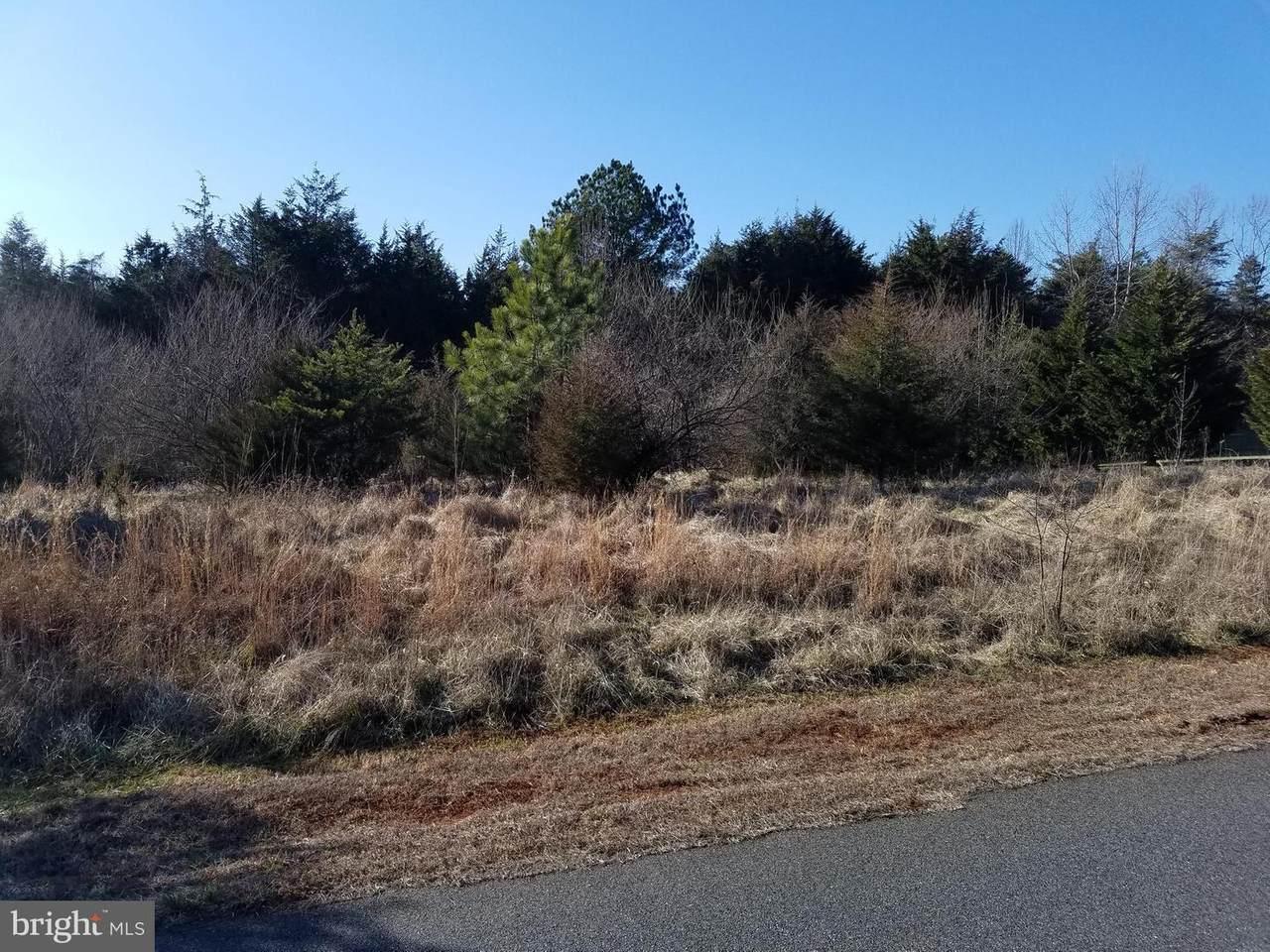 16 Ridgeview Drive - Photo 1