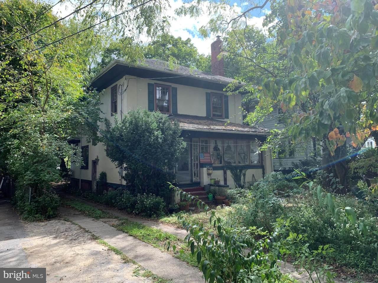 107 East Avenue - Photo 1