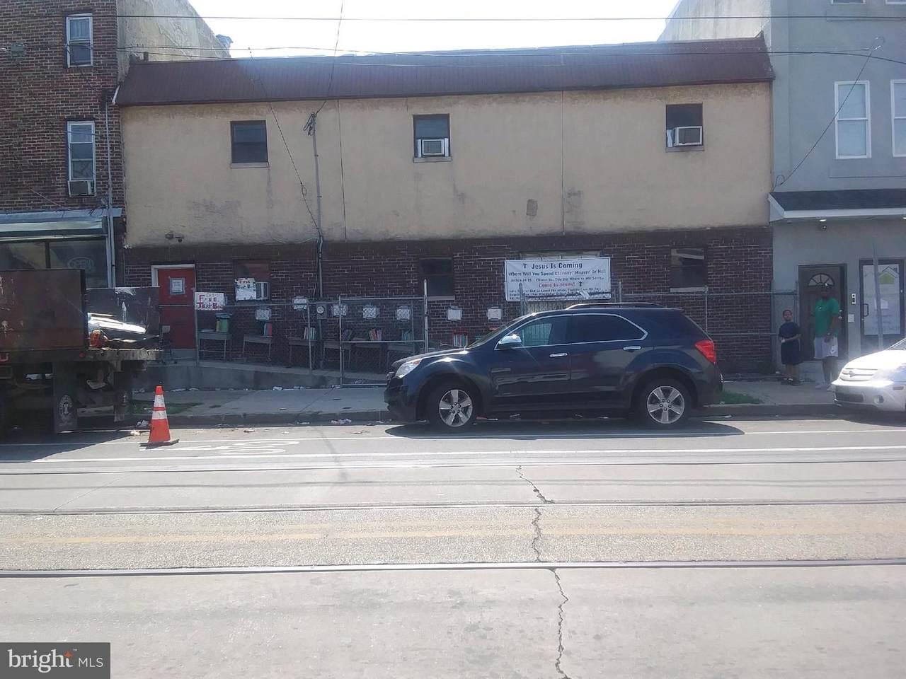 4512-16 Lancaster Avenue - Photo 1