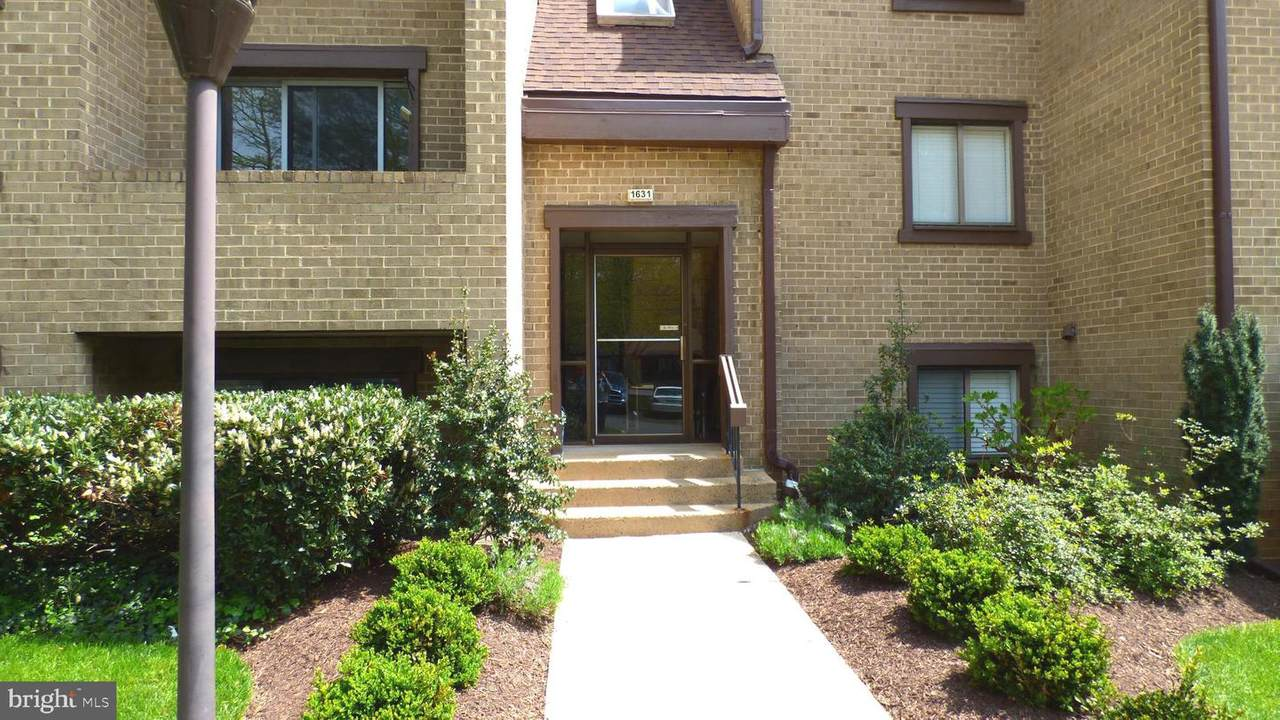 1631 Parkcrest Circle - Photo 1