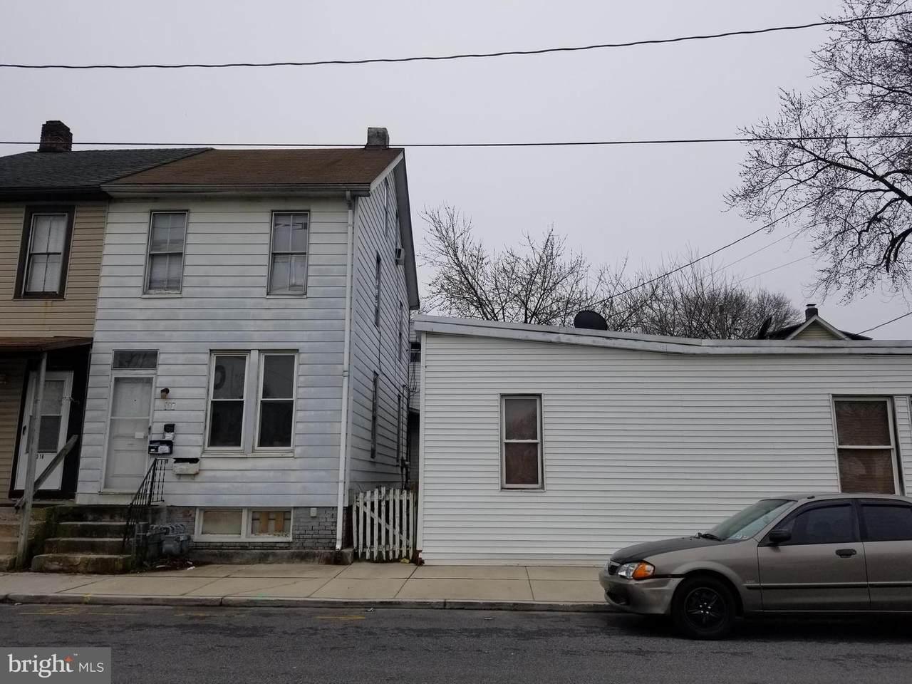 318 Smith Street - Photo 1