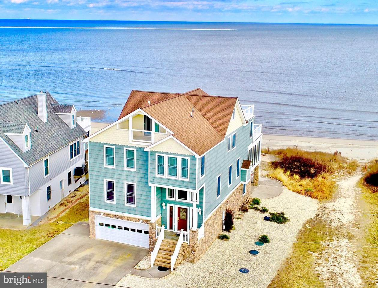 9829 Shore Drive - Photo 1