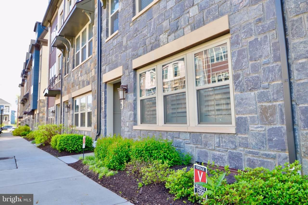 1330 S. Quinn Street - Photo 1