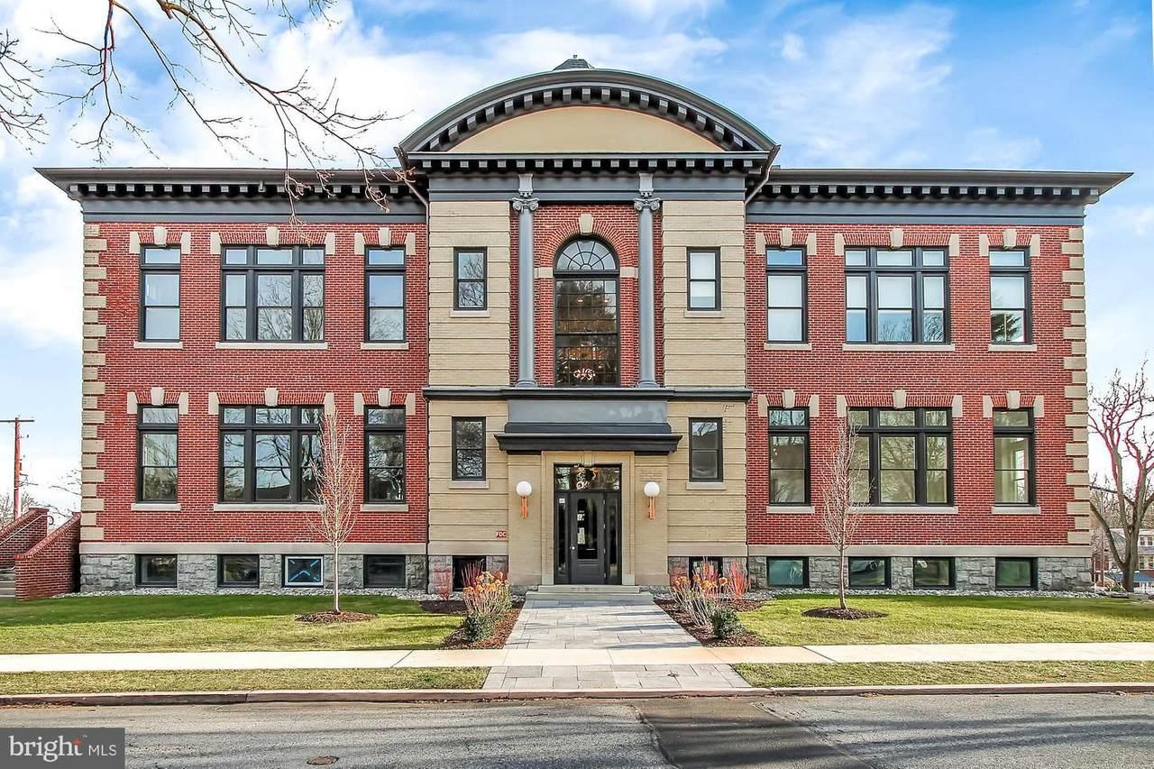 1100 Belmont-Terrace Level Avenue - Photo 1