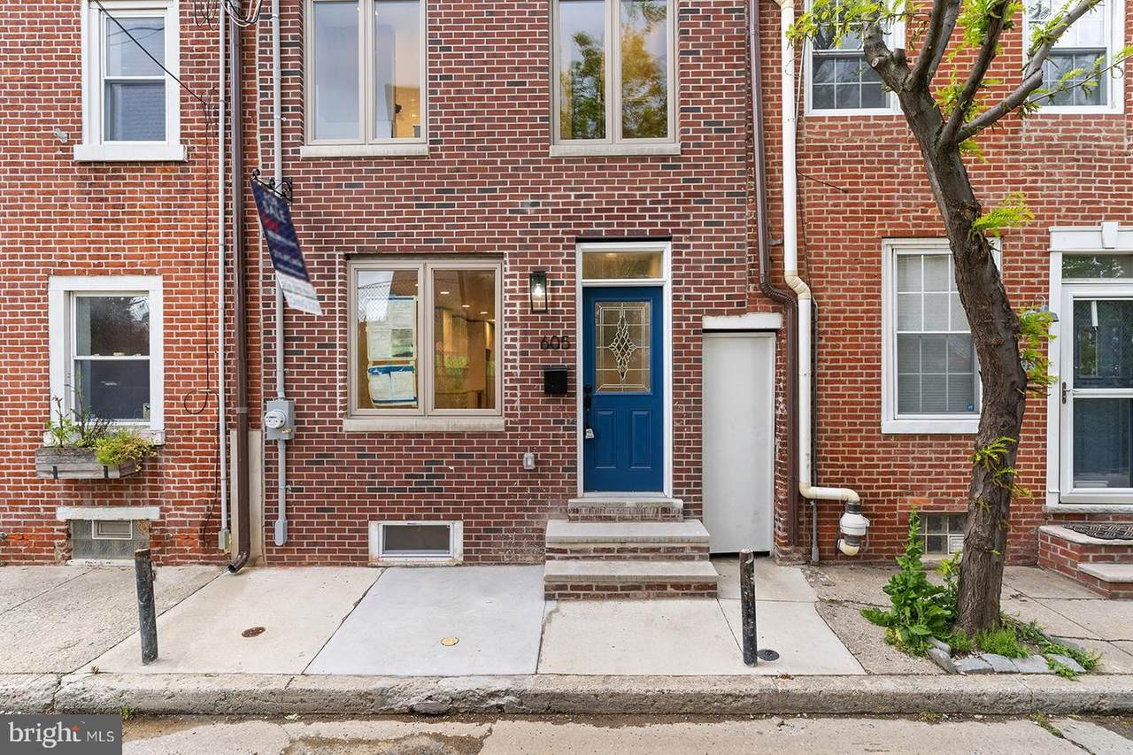 605 Montrose Street - Photo 1