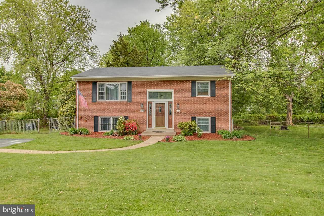 6101 Briarview Court - Photo 1
