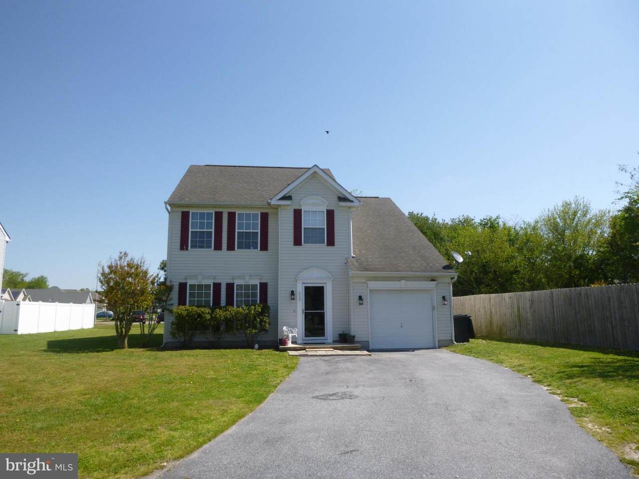 213 Donegal Court - Photo 1