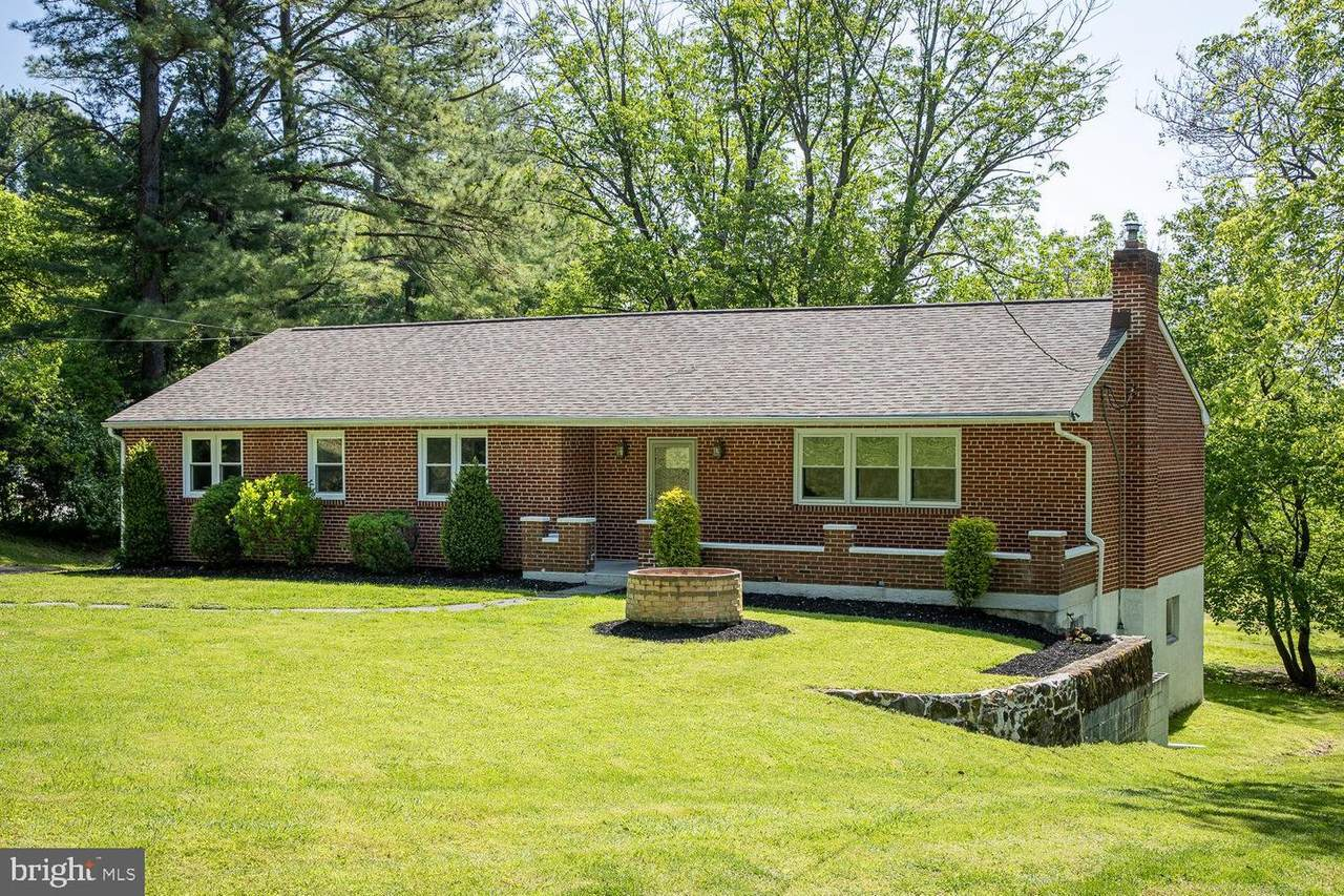 1582 Colonial Drive - Photo 1